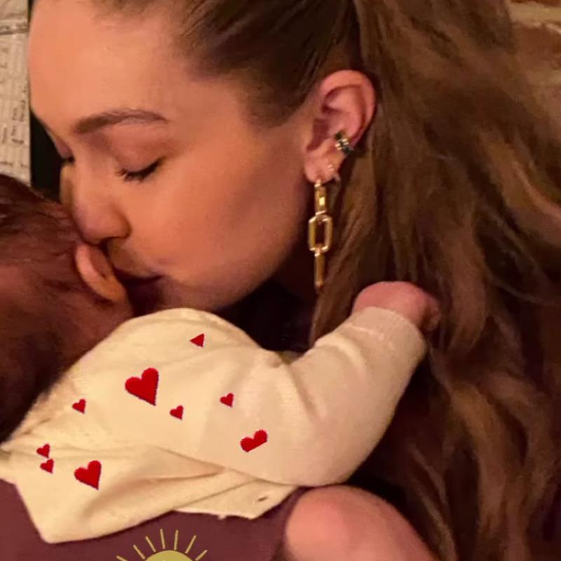Yolanda Hadid Shares Photo of Daughter Gigi Hadid Kissing Her Newborn Baby: 'You Are My Sunshine'